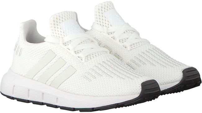 Witte ADIDAS Sneakers SWIFT RUN I - large