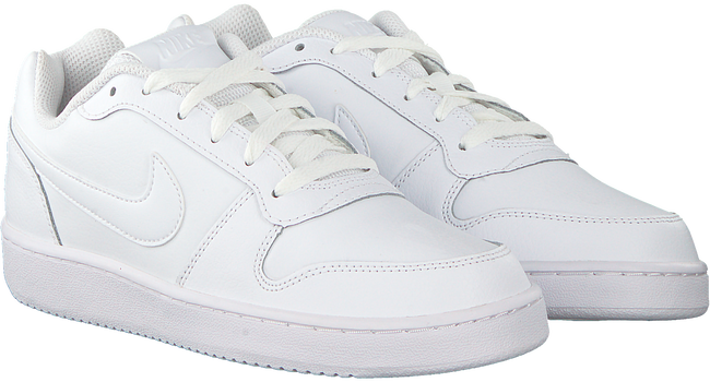 Witte NIKE Sneakers EBERNON LOW WMNS  - large