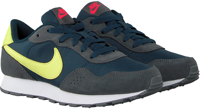 Grijze NIKE Lage sneakers MD VALIANT (GS) - large