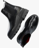 Zwarte TOMMY HILFIGER Chelsea boots MONOCHROMATIC CHELSEA  - medium