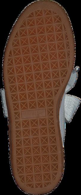Witte PUMA Sneakers BASKET HEART PERF GUM WMN  - large