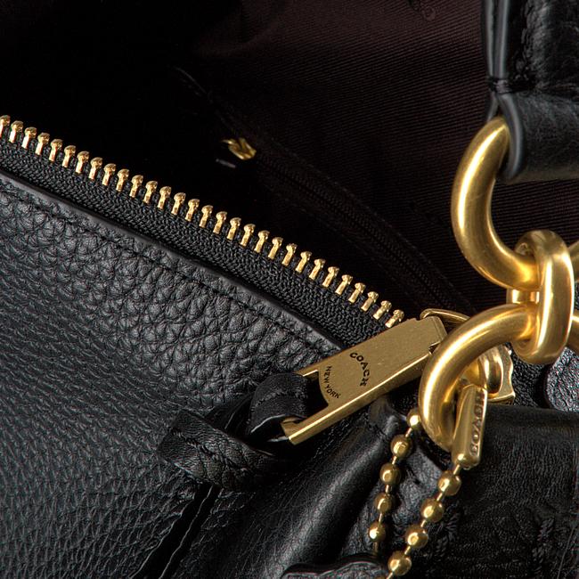 Zwarte COACH Handtas SHAY SHOULDER BAG  - large