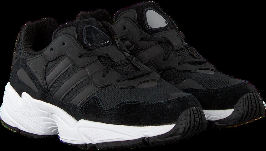 Zwarte ADIDAS Sneakers YUNG-96 J  - larger