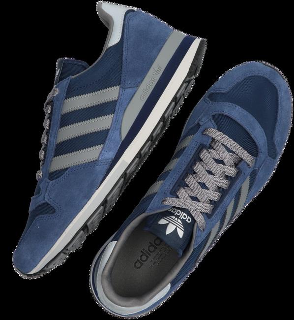Blauwe ADIDAS Lage sneakers ZX500  - large