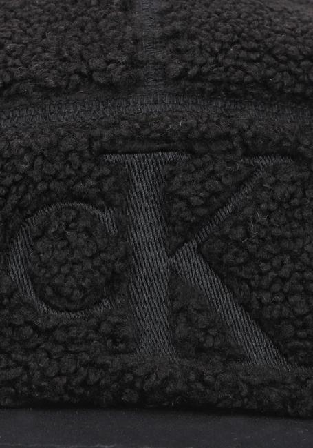 Zwarte CALVIN KLEIN Pet MONOGRAM SHERPA CAP  - large