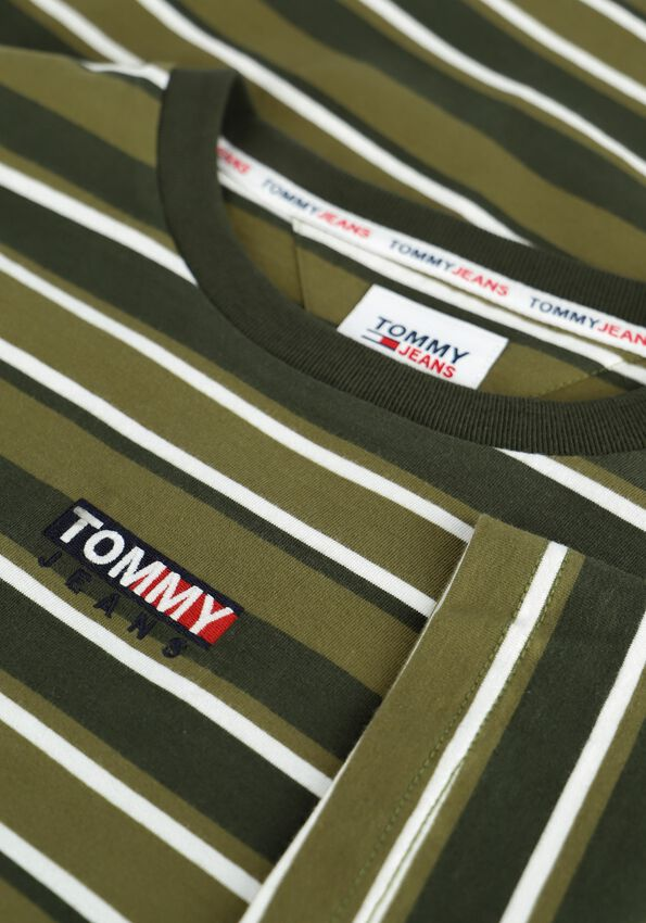 Olijf TOMMY JEANS T-shirt TJM CENTRE GRAPHIC STRIPE TEE - larger