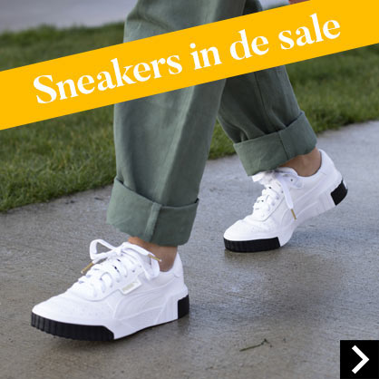 Sneakers in de sale